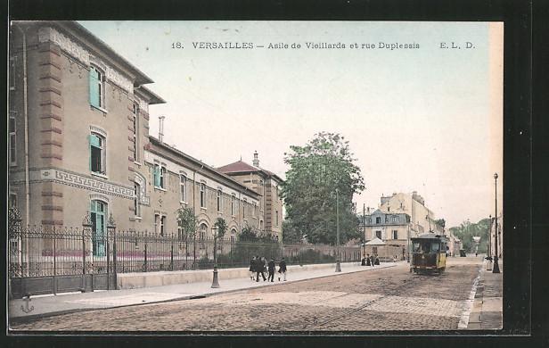 AK Versailles, Asile de Vieillards et rue Duplessis, Strassenbahn
