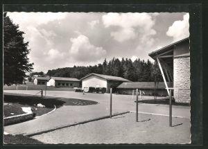 AK Magglingen / Macolin, Sportplatz mit angrenzenden Gebäuden
