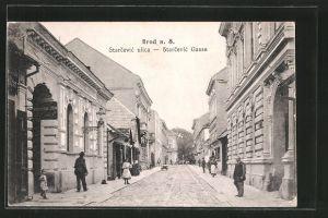 AK Brod n. S., Starcevic ulica, Starcevic-Gasse mit Passanten