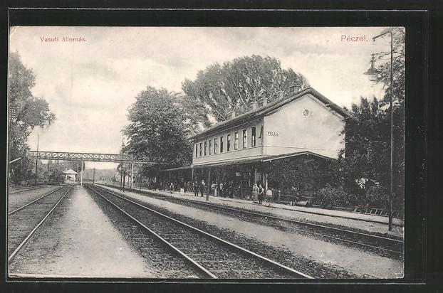 AK Péczel, Vasuti állomás, Bahnhof mit Gleisanlagen