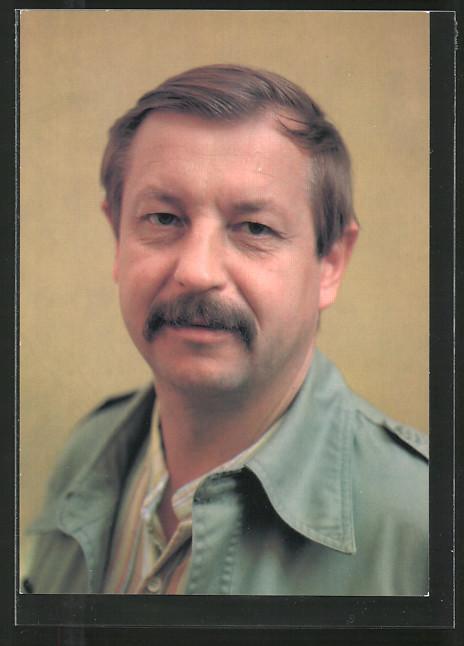 AK Schauspieler Oldrich Vlach schaut freundlich in die Kamera