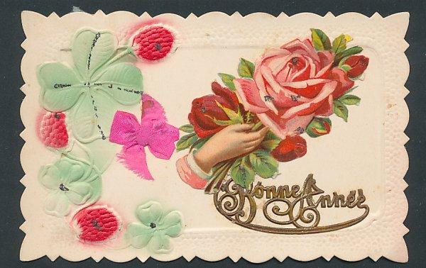 Präge-Oblaten-AK Bonne Annee, aufgeklebte Hand mit Rosen, Kleeblätter mit Schleife