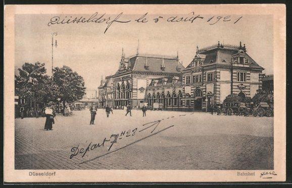 AK Düsseldorf, Strassenpartie am Bahnhof