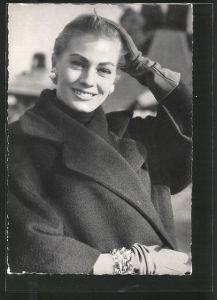 AK Portrait der Schauspielerin Anita Ekberg mit zurück gekämmtem Haar