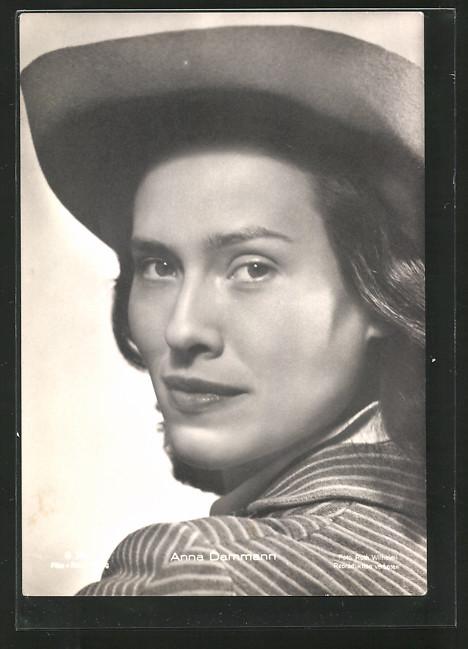 AK Schauspielerin Anna Dammann mit Hut