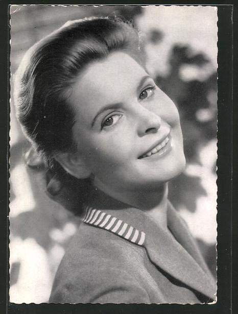 AK Schauspielerin Johanna Matz im Halbprofil