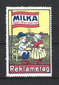 Reklamemarke Milka Edel Margarine, Reklametag, Kinder essen Brot mit Margarine am Ortsrand