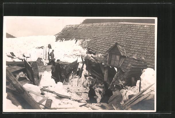 AK Lahnsattel, Trümmer eines Hauses nach der Lawinenkatastrophe 2.2.1923