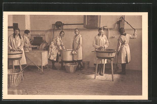 AK Namur-Jambes, Pensionnat des soeurs de Sainte-Marie, chaussée de Liége, ecole ménagère, a la nessive, Waschraum
