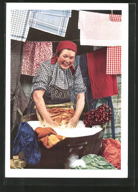 AK Reklame für Idanthren Stoffe, Wäscherin bei der Arbeit