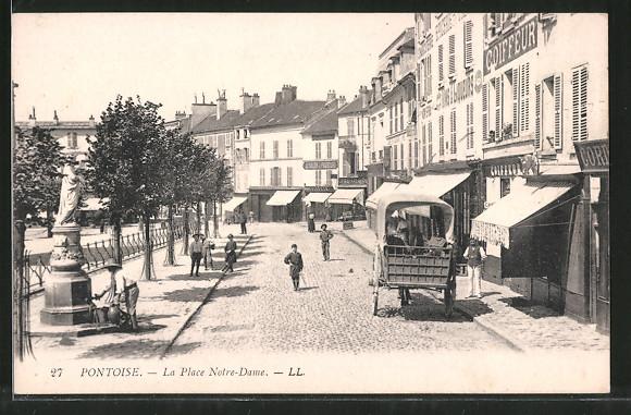 AK Pontoise, La Place Notre-Dame