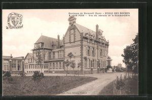 AK Verneuil-sur-Avre, Ecole des Roches, Les Pins, vus du chemin de la Guichardière