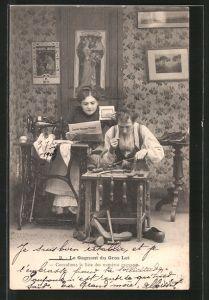 AK La Gagnant du Gros Lot, Schuhmacher bei der Arbeit, Frau sitzt an der Nähmaschine und liest Zeitung