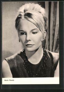 AK Schauspielerin Karin Vesely mit Halskette porträtiert