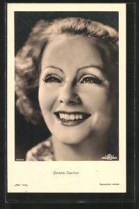 AK Schauspielerin Greta Garbo lächelt