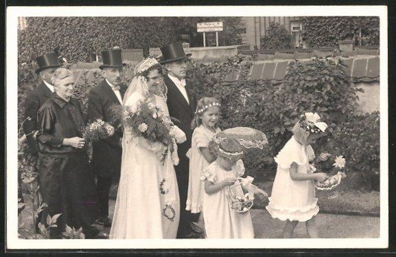 Foto Ak Hochzeit Das Brautpaar Und Brautjungfern Nr 6912786