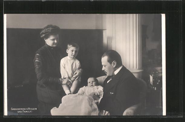 AK Grossherzog Ernst-Ludwig von Hessen mit Familie