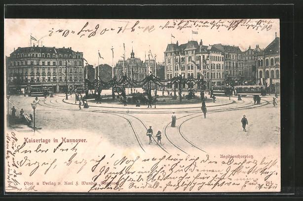AK Hannover, Strassenbahnen auf dem anlässlich der Kaisertage geschmückten Aegidientorplatz