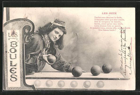 AK Les Boules, Les Jeux, Boulespielerin
