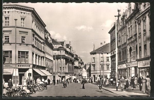 AK Zeitz, Leninstrasse mit Geschäften