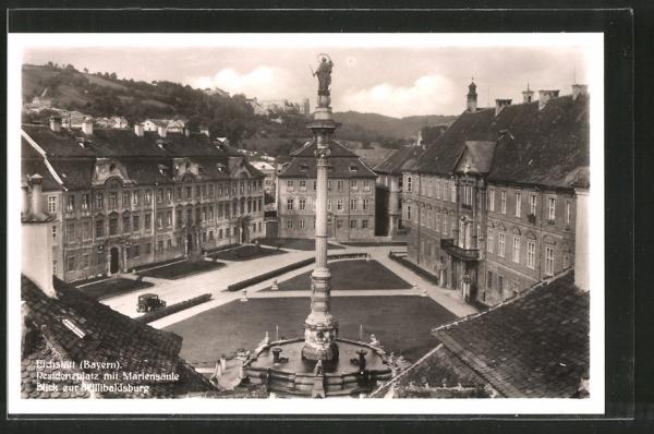 AK Eichstätt, Residenzplatz mit Mariensäule, Blick zur Willibaldsburg