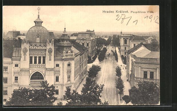 AK Königgrätz / Hradec Kralove, Pospisilova trida, Strassenpartie mit Synagoge 0