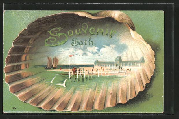 Passepartout-Lithographie Bath, Strandpartie mit Seesteg, Segelboote, Muschel