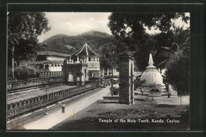 AK Kandy, Temple of the Holy-Tooth