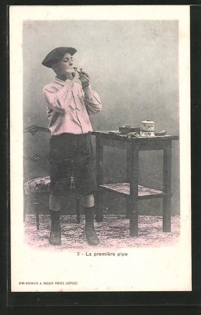 AK La première pipe, Knabe raucht seine erste Pfeife