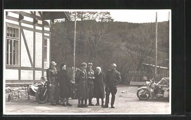 Foto-AK Motorradfahrer mit Puch mit Seitenwagen