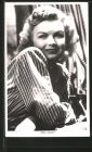 AK Schauspielerin June Haver in Kamera blickend