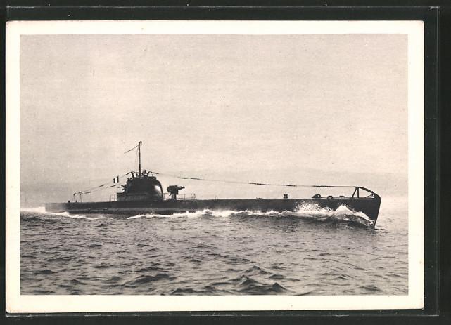AK Sous-Marin Aurore, Französ. U-Boot in voller Fahrt über Wasser