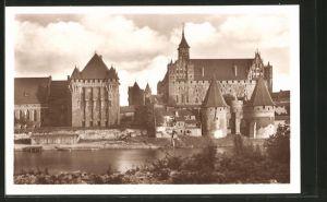 AK Marienburg / Malbork, Haupthaus des dt. Ritterordens, Hoch- u, Mittelschloss, Westseite