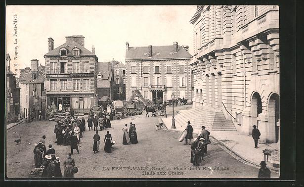 AK La Ferté-Macé, Place de la République, Halle aux Grains