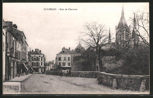 AK Dourdan, Rue de Chartres, Ortsansicht mit Strassenpartie