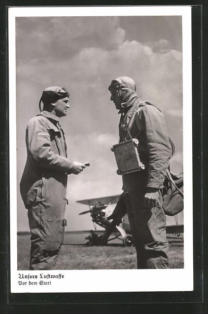 AK Unsere Luftwaffe, Piloten vor dem Start mit ihrem Flugzeug, Postkuriosum!