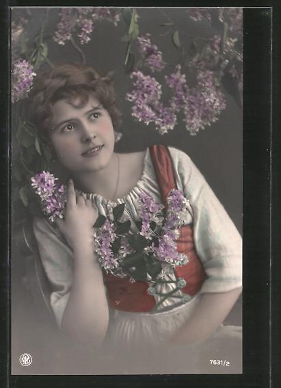 Foto-AK NPG Nr. 7631/2: Mädchen sitzt unter Blüten