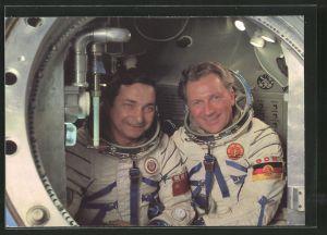 AK Gemeinsamer Kosmosflug UdSSR/ DDR, Kosmonauten Bykowski und Jähn im Sojuskomplextrainer