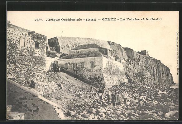 AK Gorée, La falaise et les castel