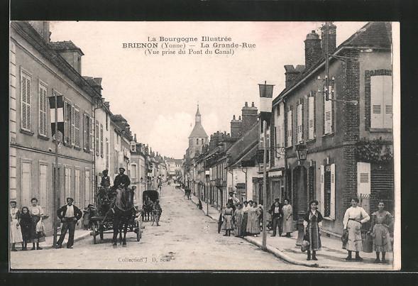 AK Brienon, La grande-rue, vue prise du pont du canal, Pferdegespann