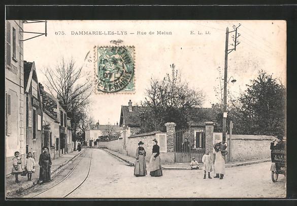 AK Dammarie-les-Lys, Rue de Melun mit Passanten