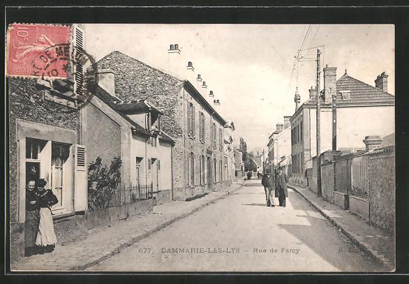 AK Dammarie-les-Lys, Rue de Farcy mit Passanten