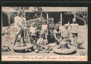 AK Indien, Potters at work, Töpfer bei der Arbeit