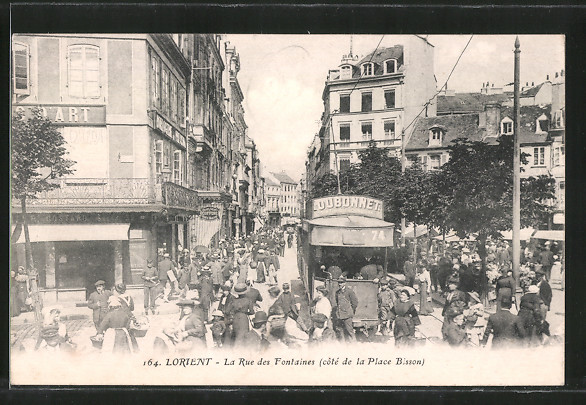 AK Lorient, Strassenbahn auf der Rue des Fontaines