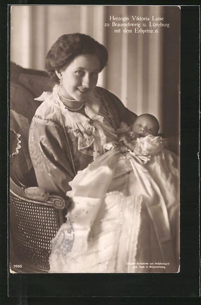 AK Victoria Louise Herzogin von Braunschweig u. Lüneburg mit dem Erbprinzen