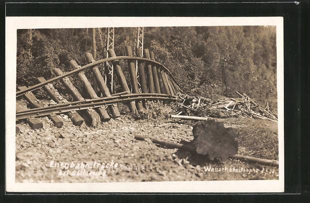 Foto-AK Gottleuba, durch Hochwasser zerstörte Eisenbahn-Strecke
