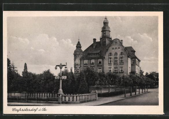 AK Grossröhrsdorf, Strassenpartie am Rathaus