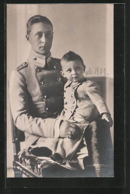 AK Kronprinz Wilhelm von Preussen in Uniform mit seinem Sohn
