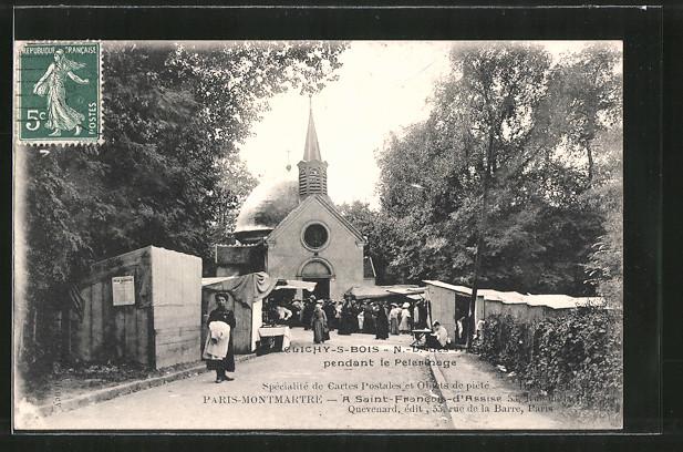 AK Clichy-sous-Bois, Pilger an der Kirche Notre-Dame