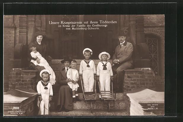 AK Kronprinzessin Cecilie im Kreise der Familie des Grossherzogs von Mecklenburg-Schwerin